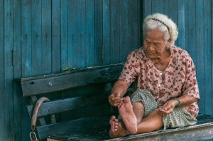 Old Lady Pedicure-7584