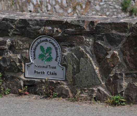 Port Clais sign