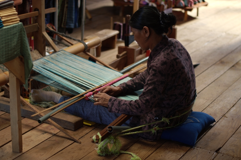 lady weaving 3